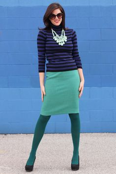 Love the colour combo, green tights can be tricky, but not here