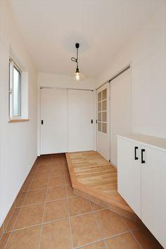 Natural Interior, Restaurant Design, Smart Home, Home Decor Accessories, Tile Floor, Entrance, Garage Doors, Outdoor Decor, Room