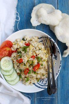 Nasi goreng teri [recipe in Indonesian]
