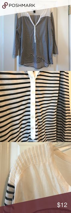 1a05468bcee024 EUC H M striped button up Henley EUC H M navy and white striped button up  Henley with
