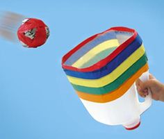Reciclaje de envases: canasta de básquet con asa
