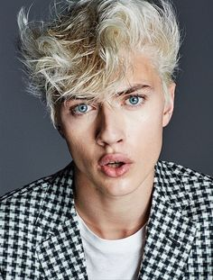 lucky blue smith - new it male model?