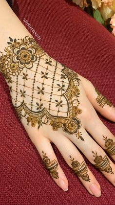 For Price & Queries Please DM us or you can Message/WhatsApp 📲 We provide Worldwide shipping🌍 ✅Inbox to place order📩 ✅stitching available🧣👗🧥 &shipping worldwide. 📦Dm to place order 📥📩stitching available SHIPPING WORLDWIDE 📦🌏🛫👗💃🏻😍 . Henna Tattoo Kit, Henna Tattoo Designs Simple, Finger Henna Designs, Back Hand Mehndi Designs, Mehndi Designs Book, Modern Mehndi Designs, Bridal Henna Designs, Mehndi Designs For Girls, Mehndi Tattoo