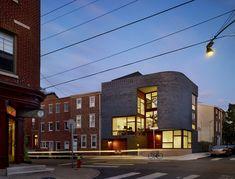 Split Level House / Qb Design ///// Proyecto muy interesante y excelente relación con el entorno