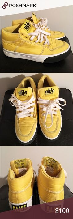"Alife Limited Ed. Mid Parachute Everybody Sneakers 🎉FOR MY SNEAKERHEADS🎊.                              Alife created a limited Edition Parachute Collection of their ""Everybody"" sneakers. These were released in 2005 and fairly worn with lots of life in them. I would happily trade for a size 6.5. (Small unnoticeable marks in the front. See picture).                                                     Size: 6 Alife Shoes Athletic Shoes"
