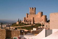 Le château de la Atalaya à Villena : Les plus beaux châteaux d'Espagne - Linternaute.com Voyager