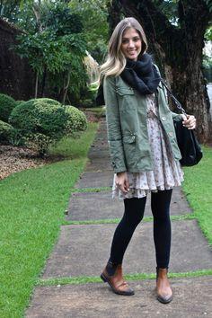 E botinhas marrom dão um toque folk ao look. | 35 ideias para criar looks estilosos sem usar salto