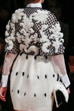 Valentino FW13 Couture Fashion, Runway Fashion, Fashion Show, Womens Fashion, Fashion Trends, Fashion Fashion, Review Fashion, Paris Mode, Italian Fashion Designers