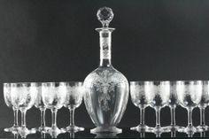 Baccarat, modèle Médicis, 11 verres à vin et une carafe