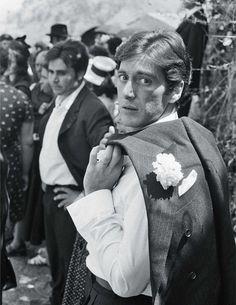 """Al Pacino fotografiado por Steve Schapiro en el rodaje de """"El Padrino"""" (The Godfather), 1972"""