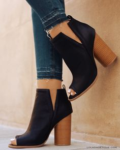 #lolashoetique #lolas #shoes #black #gold #booties #sexy #cute #chic #summer #girlsnight #fancy #denim #festival