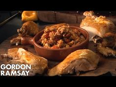 Chef Gordon, Tv Chefs, Good Roasts, Cooking For Beginners, Roast Chicken Recipes, Best Chef, Gordon Ramsay, Poultry, Holiday Recipes