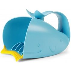 The new innovative rinser features interior fins that channel a steady flow of water to ensure quick cry-free rinses. A soft rubber lip fits snuggly to the forehead, preventing water from getting in eyes. The easy grip handle allows you to hold the rinser in one hand and baby in the other.