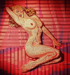 Crayon art by Herb Williams. I met him a few months back at the Columbus marathon expo. Awesome guy! {First Nude, (Marilyn) this was a commission by a Mrs. for her Mr.'s 50th birthday. It ended up being 6' x 6' square, whole lot of crayons.}