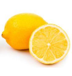 LIMONES FRESCOS RUCHEY En Ruchey disponemos de limones frescos de la mejor calidad del mercado. Nuestros limones de temporada son recogidos del arbol para llevarlos a su casa en cuanto haga la compra online, sin pasar grandes temporadas en cámaras frigoríficas, por lo que son limones con gran cantidad de zumo y un sabor inigualable.