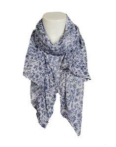 Silketørklæde fremstillet af genbrugt vintage silke sari fra Indien.