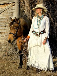 ❤ Cowgirls Fashions Western Style Petal Skirt