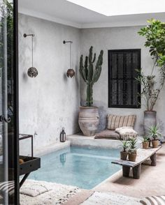 [New] The 10 Best Home Decor Today (with Pictures) - Really digging these Marrakech vibes for a feature Small Backyard Pools, Backyard Pool Designs, Small Pools, Home Design, Home Interior Design, Riad Marrakech, Airbnb Marrakech, Kleiner Pool Design, Moroccan Home Decor