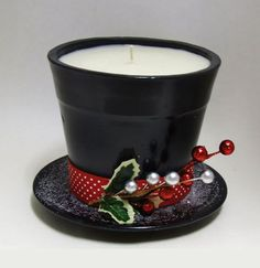 Fill a Small Pot with a Wax and place it on a Saucer to make this Adorable Frosty the Snowman Candle.these are the BEST DIY Christmas Decorations & Craft Ideas! Outdoor ideas, make with citronella candles. Snowman Crafts, Christmas Projects, Decor Crafts, Holiday Crafts, Snowman Hat, Christmas Ideas, Christmas Bazaar Crafts, Christmas Crafts To Make, Santa Hat