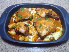 دجاج محمر بنكهة الجمر مع بطاطا و كامومبار في الفرن - YouTube Meat, Chicken, Food, Recipes, Kitchens, Meals, Cubs