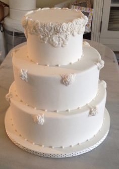 White baroque wedding cake