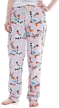 These juniors' plush pajama pants will keep you warm during cold winter nights. Frozen Clothes, Frozen Outfits, Pijama Frozen, Olaf Frozen, Pyjamas, Plush, Pajama Pants, Warm, Fashion