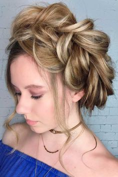 Cute Hairstyle Ideas for a Holiday picture3