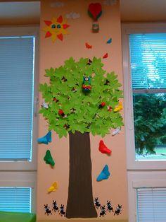Classroom Family Tree, Classroom Decor, Preschool Decor, Preschool Activities, Practical Housewarming Gifts, Diy For Kids, Crafts For Kids, Bulletin Board Tree, School Board Decoration