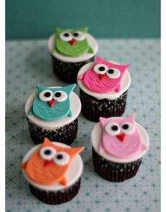 Owl cupcakes  reference picture only (thin fondant, cut out)