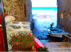 Chianalea di Scilla il mare sull' uscio di casa 27 sett 2014
