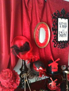Moulin rouge photo booth props