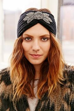 Embellished Ear Warmer - Urban Outfitters Paraorecchie 893376c0bb56
