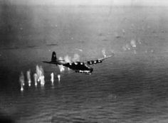 Messerschmitt Me 263 powered glider under attack off Cape Corse, Corsica, by a Martin Marauder Mark I, flown by the Commanding Officer of No. 14 Squadron RAF, Wing Commander W Maydwell. The aircraft crash-landed on the shore and disintegrated Luftwaffe, Operation Sea Lion, Aviation Image, Ww2 Planes, War Photography, Military Photos, Aircraft Design, Royal Air Force, World War Two
