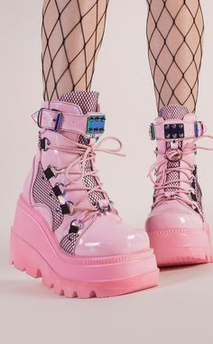 Dr Shoes, Goth Shoes, Me Too Shoes, Kawaii Shoes, Kawaii Clothes, Pastel Goth Fashion, Aesthetic Shoes, Pretty Shoes, Shoe Boots