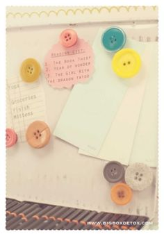 Button magnets! #buttons #magnets #diy by addie