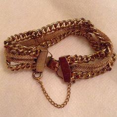 VINTAGE bracelet Gold tone mesh very unique Vintage Jewelry Bracelets