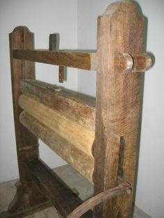 Sehr-alte-Waeschemangel-aus-Holz-Waesche-Mangel-Schleuder-antik