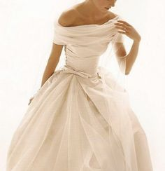 Off-the-shoulder wedding dress -- so beautiful!  I want to wear one like this :)