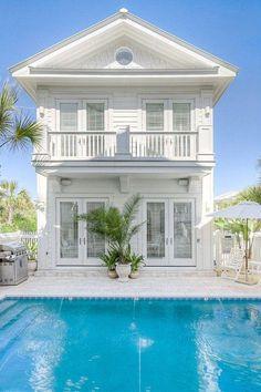 dream beach house, with backside view of the ocean! Beach Cottage Style, Coastal Cottage, Coastal Homes, Beach House Decor, Coastal Living, Beach Homes, Future House, My House, House Joy