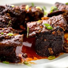Pressure Cooker Beef Short Ribs With Red Wine and Chile @keyingredient #bacon