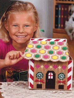 Plastic Canvas - Special Occasions - Christmas - Gingerbread House Card Holder - #FP00266