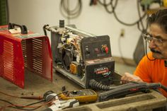 We provide Welding Equipment Repair Service specializes in the repair and reconditioning of all makes and models of welding equipment, gas cutting apparatus, flow meters, specialty gas regulators, MIG and TIG cables and compressed gas equipment, as well as medical regulators and steel industry products.