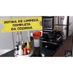 Bom dia!! A cozinha é o ambiente mais frequentado da casa por isso requer uma atenção especial. No vídeo eu mostro a rotina completa da cozinha limpeza das superfícies produtos adequados e como ganhar mais tempo nessa tarefa. Inspire! https://youtu.be/W3XqLyKof24 ( link clicável aqui no perfil) #limpeza #cozinha #dicas #youtube #organizesemfrescuras #rotinadelimpeza #donadecasa #casa #youtuber