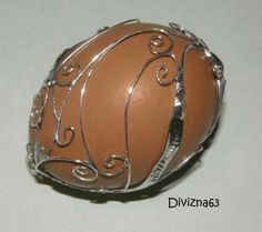 Copper Wire Art, Egg Art, Camilla, Easter Eggs, Projects To Try, Stones, Life, Floating Pontoon, Wire
