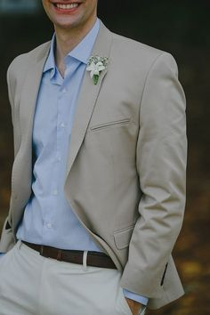 mens wedding suits for summer Casual Wedding Attire, Casual Grooms, Casual Suit, Groom Attire, Wedding Men, Wedding Suits, Blazer Outfits Men, Groom Style, Well Dressed Men