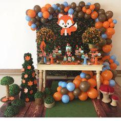 Baby boy shower fox woodland creatures ideas for 2019 Baby Shower Fall, Baby Shower Parties, Baby Shower Themes, Baby Shower Decorations, Baby Boy Shower, Boy Birthday Parties, Baby Birthday, Theme Bapteme, Decoration Evenementielle