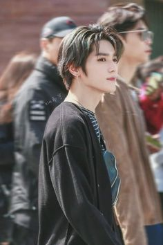 Image discovered by Neema Lema. Find images and videos about kpop, idol and taeyong on We Heart It - the app to get lost in what you love. Nct 127, Winwin, Kreative Mindmap, Jaehyun, Rapper, Nct Taeyong, Mark Lee, Kpop, Jawline