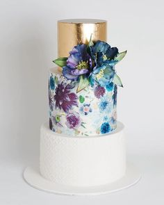 2016 Wedding Trend | Metallic Cakes