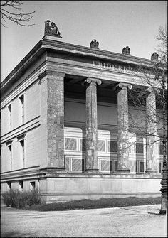 Um 1900 Berlin - Altes Museum.