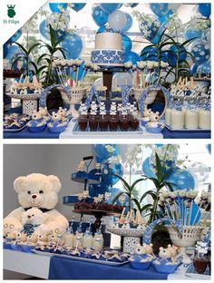 A Miss Sugar produziu essa festa com o tema Ursos. As louças brancas e as bandejas azuis da #dfilipa fizeram a combinação perfeita!